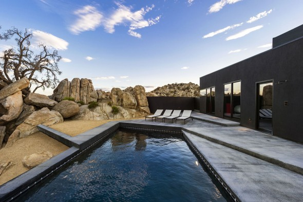 Yucca_Valley_House3-Oller_Pejic_Architecture-11-590x393