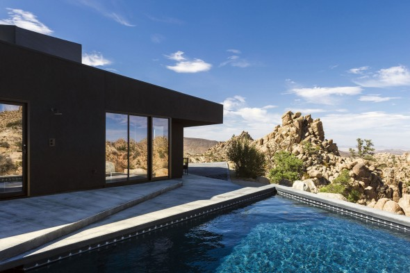 Yucca_Valley_House3-Oller_Pejic_Architecture-12-590x393