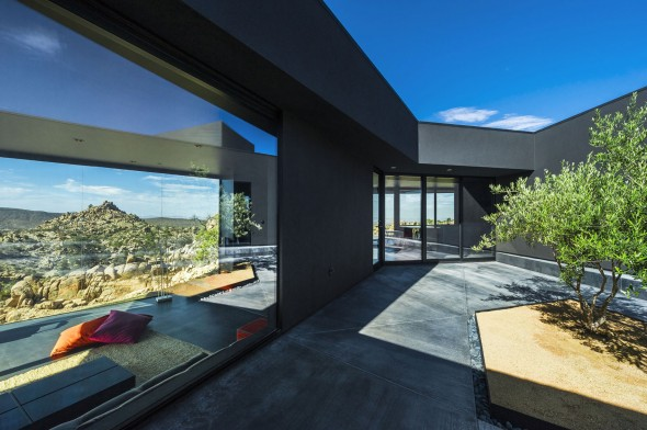 Yucca_Valley_House3-Oller_Pejic_Architecture-17-590x392