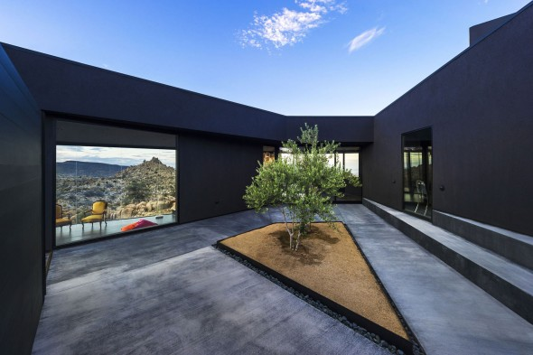 Yucca_Valley_House3-Oller_Pejic_Architecture-18-590x393
