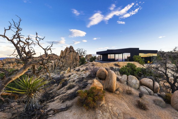 Yucca_Valley_House3-Oller_Pejic_Architecture-4-590x393