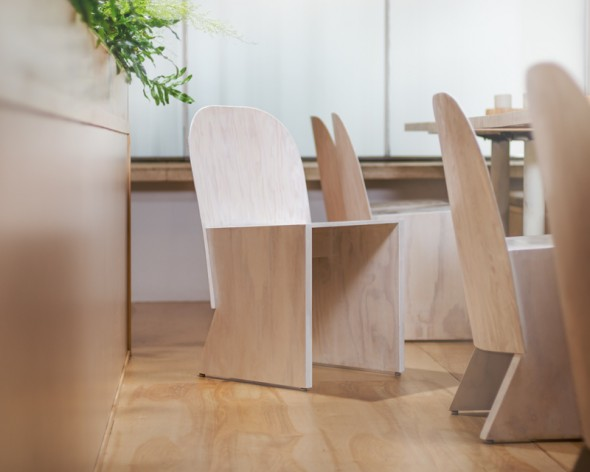 Florist_Chair-Knauf_and_Brown-1-590x472