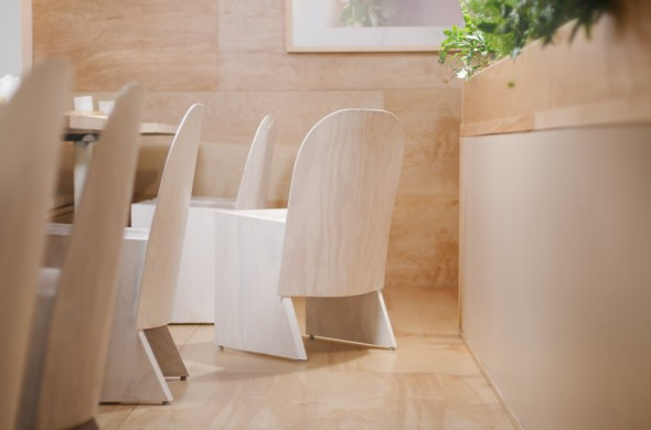 Florist_Chair-Knauf_and_Brown-2-590x390